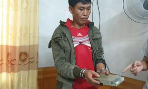 Một người Lào mang heroin vào khách sạn chờ bán