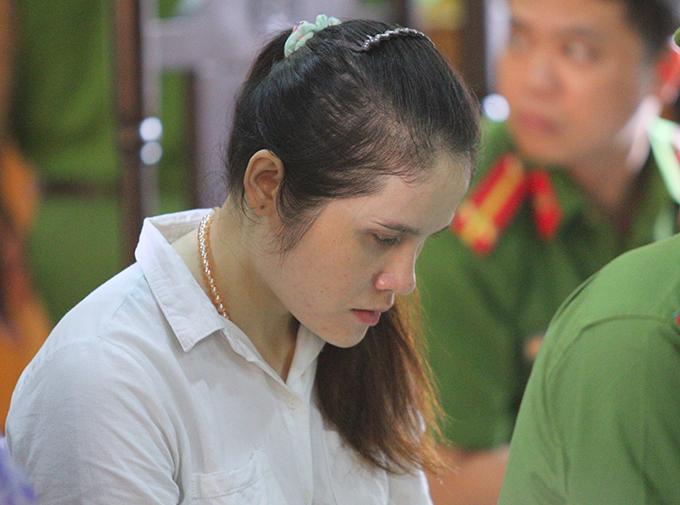 Bị cáo Oanh tại phiên xử. Ảnh: Hùng Lê