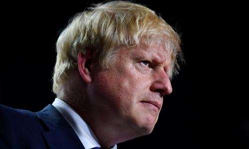 Thủ tướng Anh Boris Johnson tại Pháp ngày 26/8. Ảnh: Reuters.