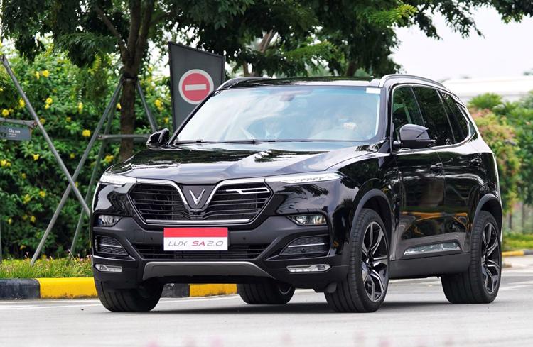 VinFast Lux SA 2.0 - mẫu SUV Việt giá từ 1,414 tỷ đồng. Ảnh: VinFast