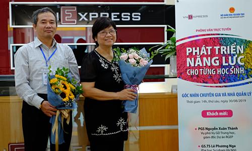 iến sĩ Lê Phương Nga (Đại học Sư phạm Hà Nội); Giáo sư, Tiến sĩ Phạm Hồng Tung, chủ biên Chương trình môn Lịch sử