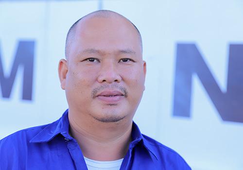 Thuyền viên Nguyễn Tùng Lẫm kể lại chuyến đi biển gặp nạn. Ảnh: Nguyễn Đông.