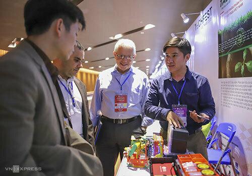 Gian hàng của startup giới thiệu tại Techfest 2018. Ảnh: Nguyễn Đông
