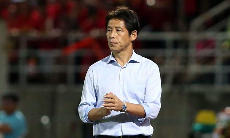 HLV Nishino phá dớp toàn thua trận đầu tiên khi dẫn dắt đội bóng mới. Ảnh: Đức Đồng.