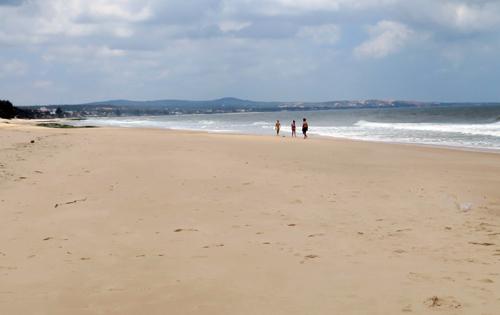 Khu vực bãi biển xảy ra vụ đuối nước. Ảnh: Tư Huynh.