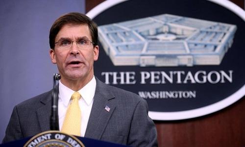 Bộtrưởng Quốc phòng Mỹ Mark Esper phát biểu tại Lầu Năm Góc, Virginia, hôm 28/8. Ảnh: Reuters.