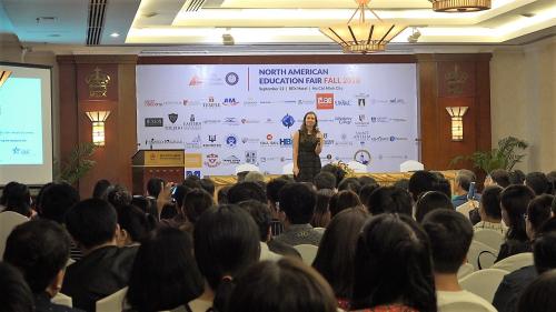 Tại TP HCM và Hà Nội, Lãnh sự quán Mỹ sẽ trực tiếp có mặt xuyên suốt sự kiện và tham gia cố vấn các chương trình học, thị thực du học, chương trình thực tập...