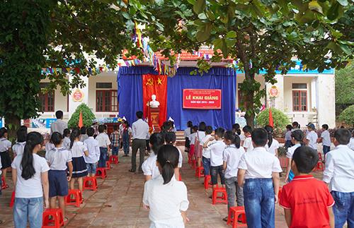 Lễ khai giảng tại trường Tiểu học Hà Linh. Ảnh: Đức Hùng