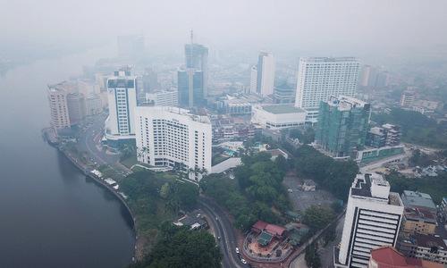 Tình trạng khói mù tại thành phố Kuching hôm 9/9. Ảnh: AFP.