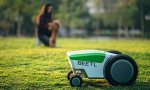 Robot dọn chất thải động vật