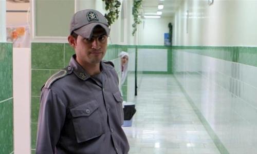 Lính gác tại một nhà tù ở Tehran tháng 6/2006. Ảnh: Reuters.