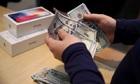 Gánh nặng nộp thuế khiến người Mỹ không chạy theo iPhone 11