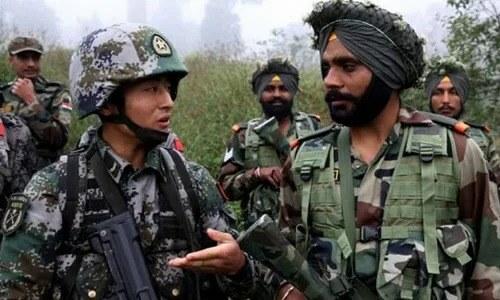 Binh sĩ Trung Quốc và Ấn Độ ở khu vực biên giới. Ảnh: CCTV.