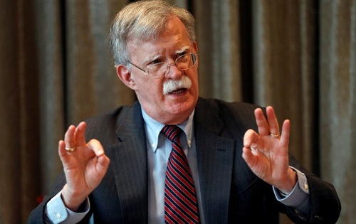 John Bolton trong chuyến thăm London, Anh, hôm 12/8. Ảnh: Reuters.