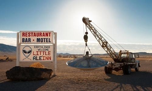 Biển quảng cáo của khách sạn Little ALeInn ở Rachel, Nevada, bên tổ chức sự kiện Alienstock. Ảnh: Little ALeInn.