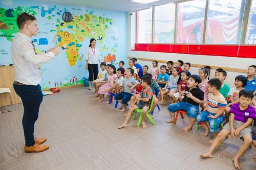 Học viên trải nghiệm lớp học tại cơ sở mới VUS