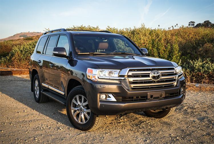 Toyota Land Cruiser là xe được người Mỹ sử dụng lâu nhất, trung bình 11,4 năm. Ảnh: Automobile