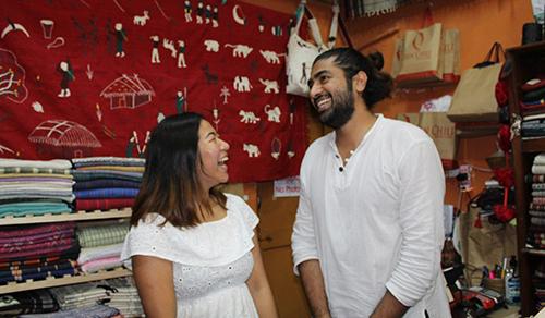 Julie, người theo Kito giáo, và chồng Rocky, người Hồi giáo. Ảnh: SCMP