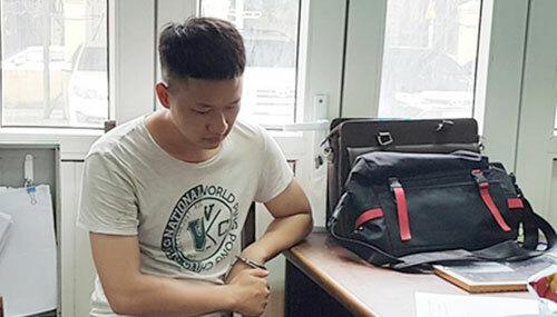 Bị can Hưng tại trụ sở công an. Ảnh: Y. Hưng.