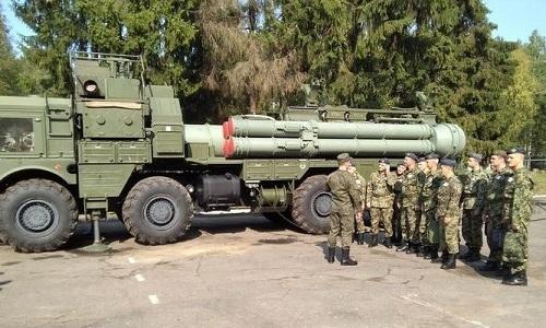 Phiên bản khác thường của tổ hợp phòng không S-400 Nga ở Astrakhan. Ảnh: Sputnik.