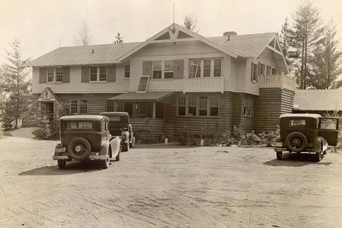 Khu nhà nghỉ Little Bohemia ở bang Wisconsin, năm 1934. Ảnh: Wikimedia Commons.