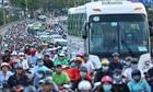 Kẹt xe cầu Kênh Tẻ - đi 7 km mất hai tiếng đồng hồ