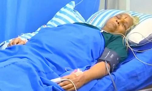Bà Mangayamma Yarramati tại bệnh viện ở thành phố Guntur, bang Adhra Pradesh, Ấn Độ hôm 5/9. Ảnh: Reuters.