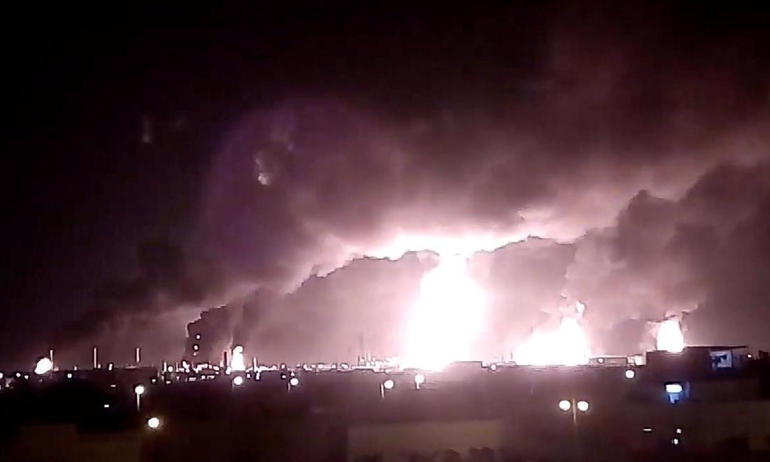 Ai được lợi sau vụ tấn công nhà máy dầu Arab Saudi