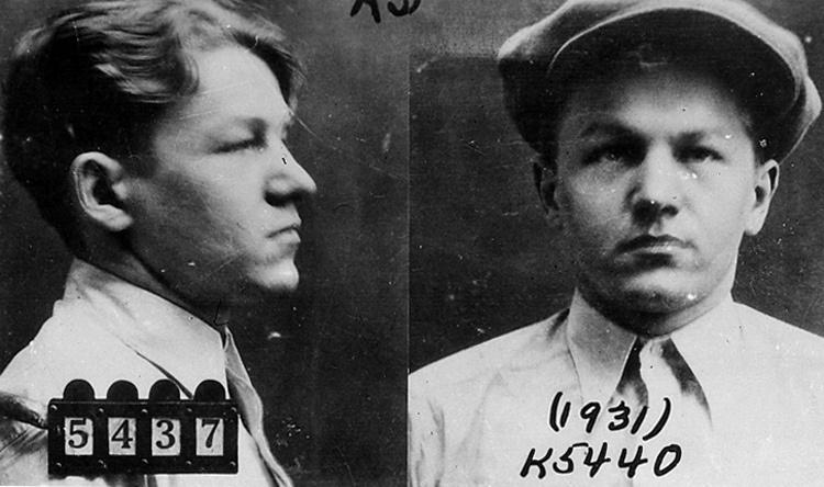 Nelson Mặt trẻ con bị bắt vào năm 1931. Ảnh: FBI.