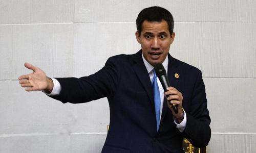 Thủ lĩnh đối lậpVenezuela Juan Guaido phát biểu trước Quốc hội ở thủ đô Caracas hôm 17/9. Ảnh: AFP.