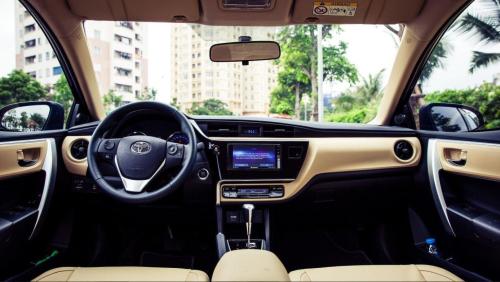 Tổng thể nội thất xe Corolla Altis.