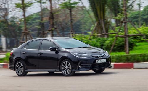 Toyota tung khuyến mãi 40 triệu đồng cho Corolla Altis - 2