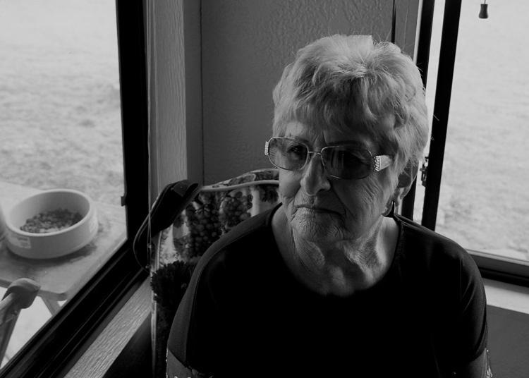 Mẹ của Jack phải dùng hết tiền trong quỹ nghỉ hưu để giúp con trai. Ảnh: The Marshall Project/Eli Reed.