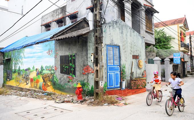 Làng bích họa ở Hà Nội