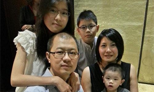 Gia đìnhnăm người của Wong và Lee trước khi thảm kịch xảy ra. Ảnh: SCMP.