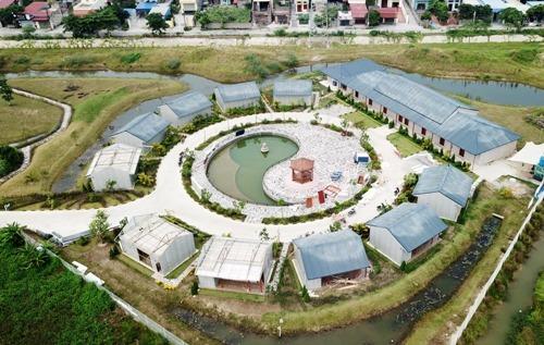 Một trong 3 khu nhà ở xây dựng trái phép trên đất quy hoạch trồng cây xanh và đất công cộng trong khu công nghiệp An Dương do công ty Thâm Việt (Trung Quốc) làm chủ đầu tư đã bị thành phố Hải Phòng yêu cầu phá dỡ. Ảnh: Giang Chinh