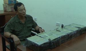 Cảnh sát bắt nghi phạm vận chuyển 60 bánh heroin