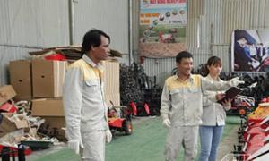 Nông dân sáng chế máy nông nghiệp đa năng