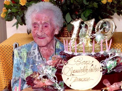 Bà Calment trong sinh nhật lần thứ 119 năm 1994. Ảnh: AFP