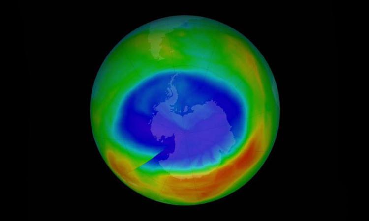 """Tầng ozone đang được """"vá"""" lành"""