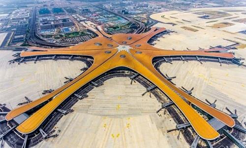 Sân bay quốc tế Bắc Kinh Đại Hưng có 5 cánh giống hình sao biển. Ảnh: CNN.
