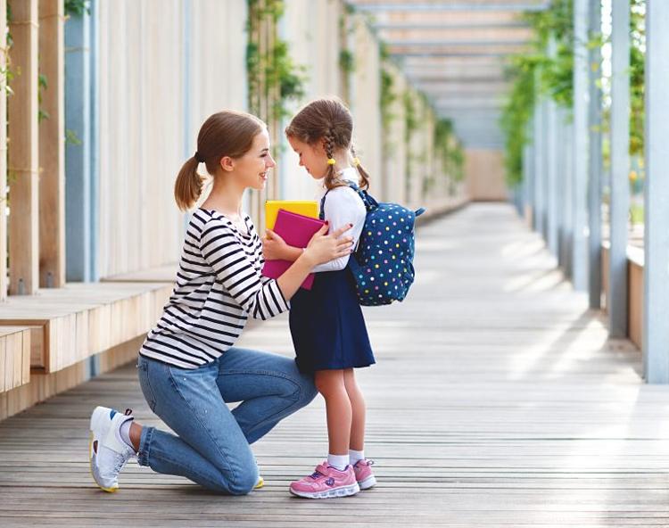 Từ chối đòi hỏi của trẻ một cách dứt khoát kèm lời giải thích ngắn gọn. Ảnh: Let grow
