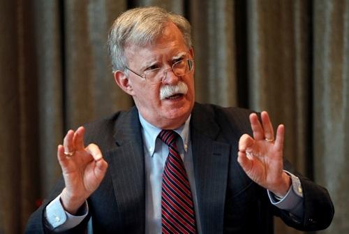 Cựu cố vấn an ninh quốc gia Mỹ John Bolton tại cuộc họp báo ở London, Anh hồi tháng 8. Ảnh: Reuters.