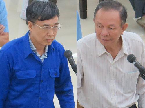 Hai cựu tổng giám đốc BHXH Việt Nam Lê Bạch Hồng (trái) và Nguyễn Huy Bantại phiên tòa hôm nay.