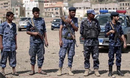 Các thành viên nhóm phiến quân Houthi tại thủ đô Sanaa của Yemen hôm 17/9. Ảnh: AFP.