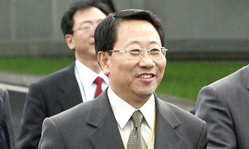 Kim Myong-gil sau cuộc gặp tại Bàn Môn Điếm. Ảnh: Reuters.