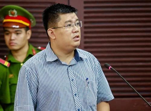 Đại diện Bộ Y tế trong phiên xử năm 2017 - ông Đỗ Trung Hưng (Vụ phó vụ pháp chế). Ảnh: Thành Nguyễn.