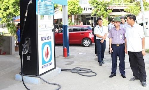 4 cây xăng dầu trái phép bị đình chỉ hoạt động