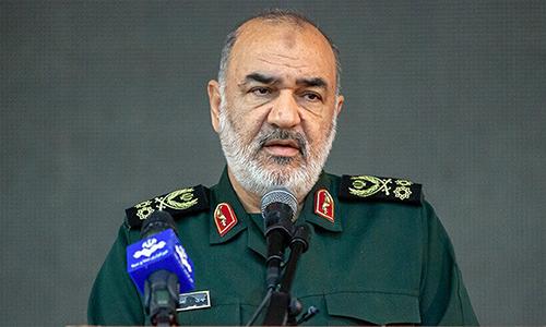 Thiếu tưởng Hossein Salami, tư lệnh Vệ binh Cách mạng Hồi giáo Iran phát biểu trong buổi lễ tại tỉnh Bắc Khorasan, Iran ngày 18/9. Ảnh: IRNA.