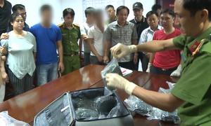 Cảnh sát đón bắt đường dây vận chuyển ma túy trên tàu SE4